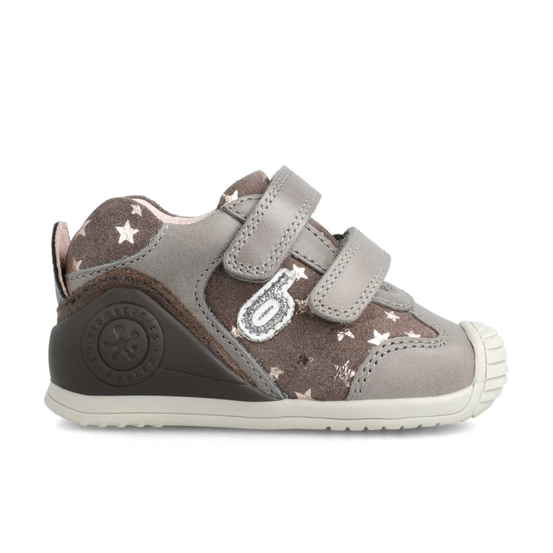 Leather sneakers for baby girl 211129