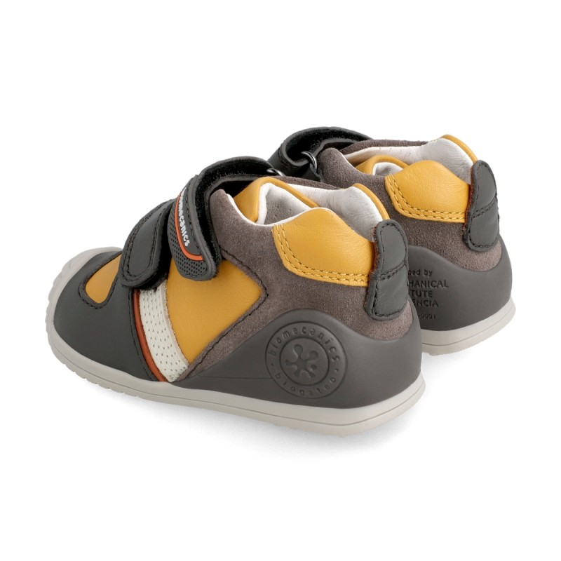 Leatrher sneakers for baby boy  211132