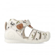 Leather sandals for baby Denís